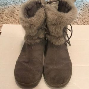 Size 2 Girl's TOMS Boots